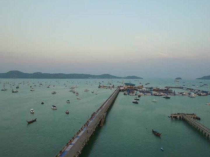 Sunsuri Phuket 查龙湾,查龙港
